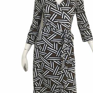 Diane Von Furstenberg brown, black , white geometric print wrap dress 12